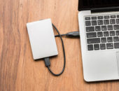 Computer og ekstern harddisk